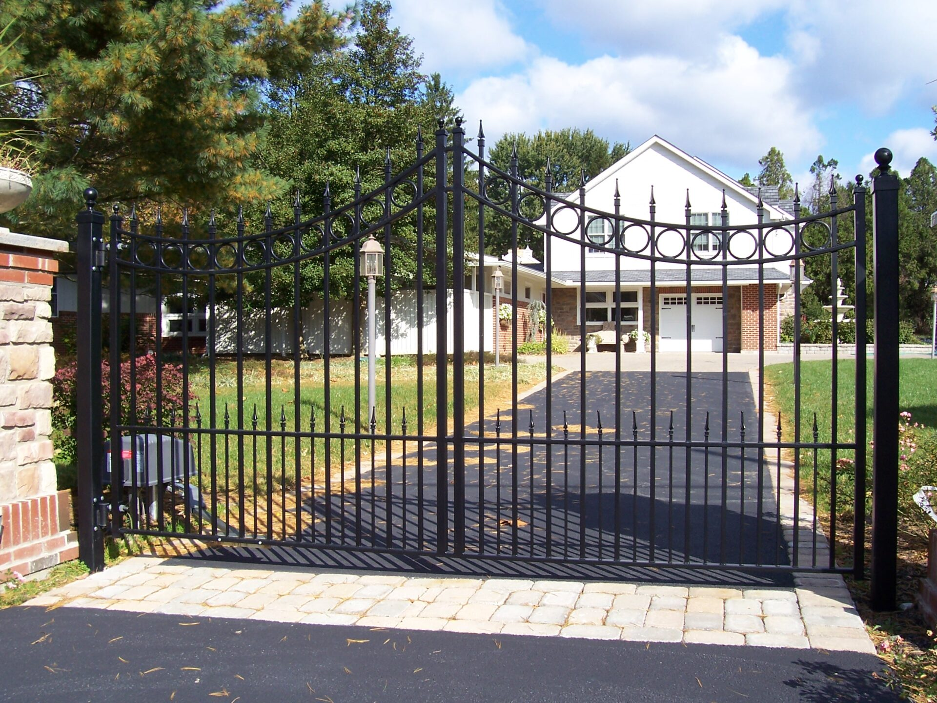 Custom Residential Wrought Iron Fencing Amp Driveway Gates